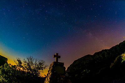 Starry sky - p829m972329 by Régis Domergue