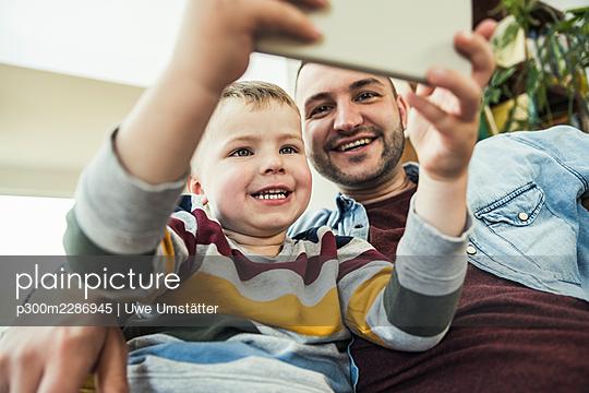 deutschland,mannheim,lifestyle,people,family,zuhause - p300m2286945 von Uwe Umstätter