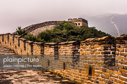 Mutianyu section of the Great Wall of China - p343m1090165 by Tim Martin