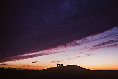 Corfe Castle in the evening - p1326m2099794 by kemai