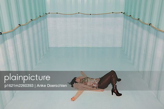 Woman in an empty pool - p1621m2260393 by Anke Doerschlen
