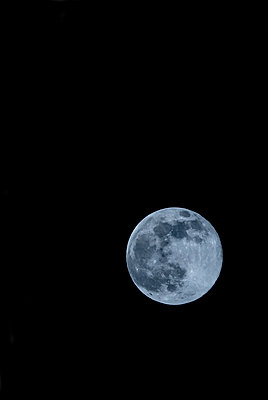 Full moon against clear night sky - p300m2198102 by EJW