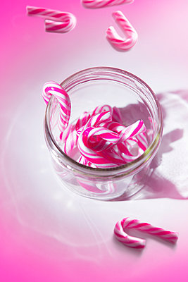 Candy canes - p1149m2126913 by Yvonne Röder