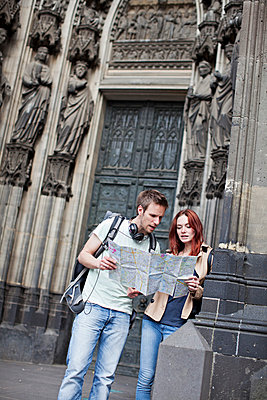 Couple in Cologne - p586m808760 by Kniel Synnatzschke