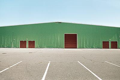 Bowling arena - p836m1476164 by Benjamin Rondel