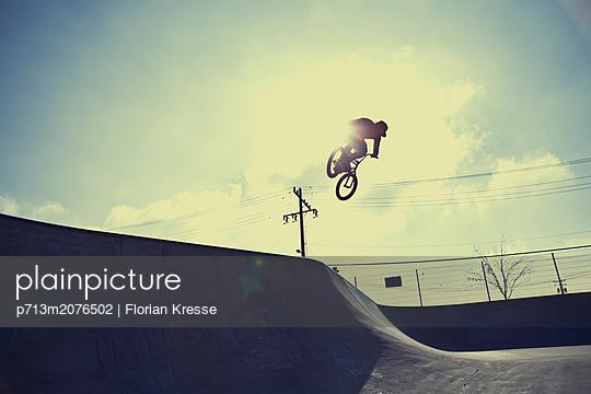 p713m2076502 by Florian Kresse