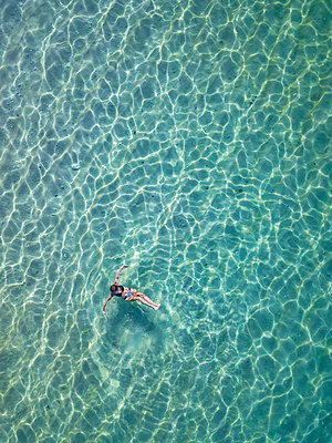 Indonesia, Bali, Melasti, Aerial view of Karma Kandara beach - p300m2042555 by Konstantin Trubavin