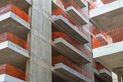 Building site - p383m1043247 by visual2020vision