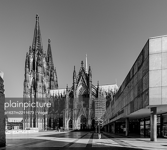 Cologne Cathedral - p1637m2211673 by Vogel