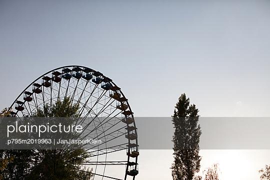 Altes Riesenrad im Spreepark - p795m2019963 von Janklein