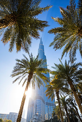Burj Khalifa, Downtown, Dubai, United Arab Emirates - p651m2032638 by Jon Arnold