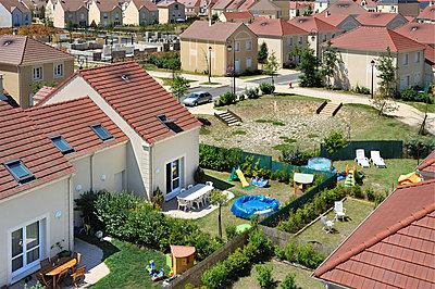 Neubaugebiet - p1111m886360 von Jean-Pierre Attal