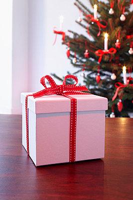 Weihnachtsgeschenk - p4642205 von Elektrons 08