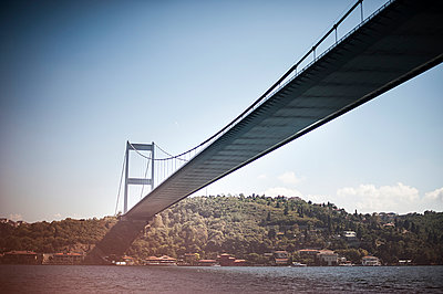 Istanbul - p1007m886908 by Tilby Vattard