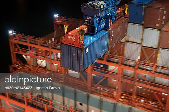Hamburg, Container harbour - p930m2148423 by Ignatio Bravo