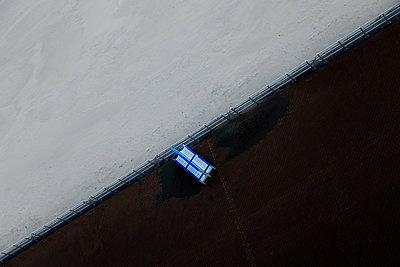 Diagonal bench - p1333m1194405 by Gérard Staron