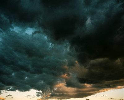 Dramatischer Himmel - p945m2229676 von aurelia frey