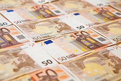 Fünfzig-Euro-Scheine  - p1078m931682 von Frauke Thielking