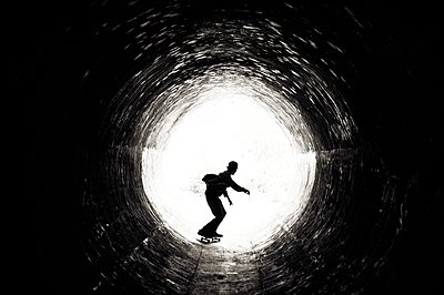 Skating in the drain - p1424m1501148 by Dylan Lucas Gordon