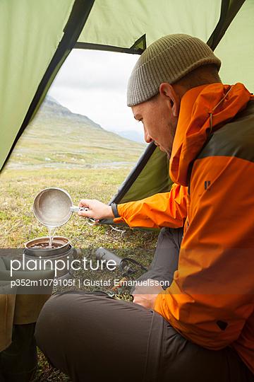 p352m1079105f von Gustaf Emanuelsson