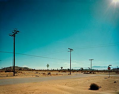 Street in California - p1171m994062 by SimonPuschmann