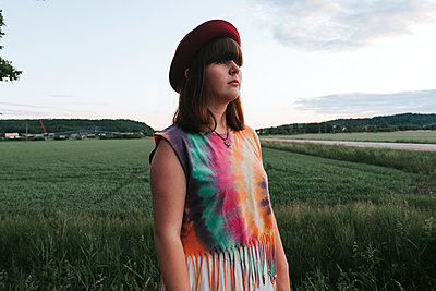 Girl with Hat - p1507m2165745 by Emma Grann