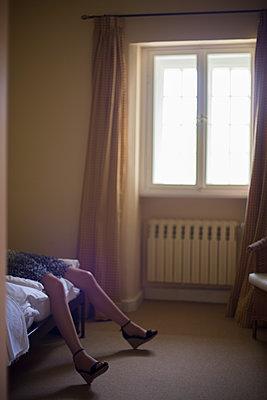 Sexy Frauenbeine mit High Heels - p1509m2031755 von Romy Rolletschke
