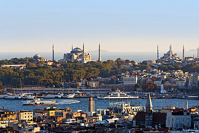 Turkey, Istanbul, View from Beyoglu over Golden Horn with Hagia Sophia and Sultan Ahmed Mosque - p300m752832f by Martin Siepmann
