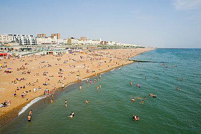 Brighton beach - p9249283f by Image Source