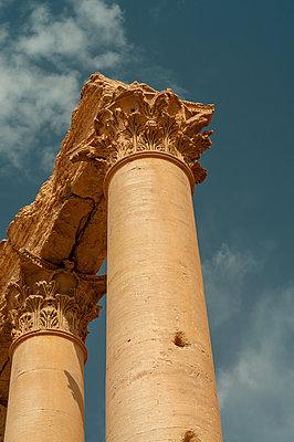 Ruinen der Oasenstadt und UNESCO-Weltkulturerbe Palmyra/Tadmor nahe Damaskus, Syrien - p1493m2063554 von Alexander Mertsch