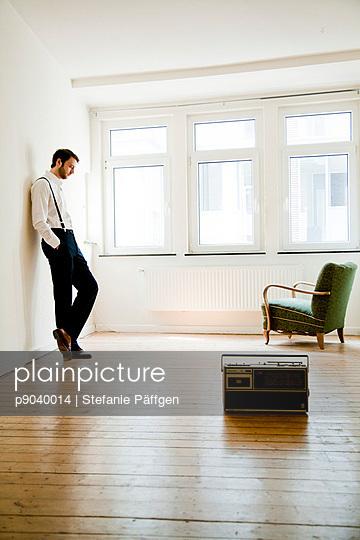 Mann alleine - p9040014 von Stefanie Päffgen
