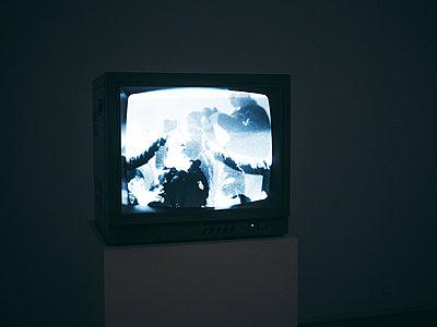 Alter Fernseher - p1681m2263294 von Juan Alfonso Solis
