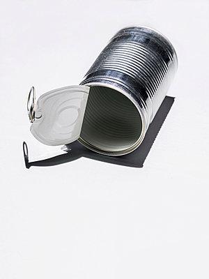 Leere Konservendose - p536m1516755 von Schiesswohl