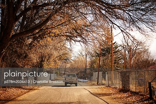 p378m2034413 von Charlotte Bresson