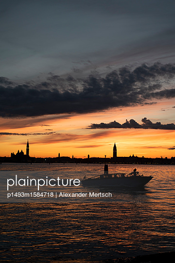 p1493m1584718 by Alexander Mertsch