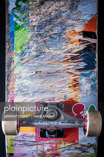 Skateboard - p954m1516627 von Heidi Mayer