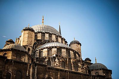 Nuruosmaniye Mosque - p1007m886822 by Tilby Vattard