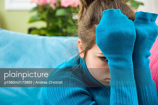 Traurig - p1580m2173883 von Andrea Christofi