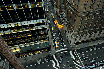 Yellow cab - p1041m854831 by Franckaparis
