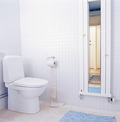 Toilet paper - p3124790 by Per Magnus Persson