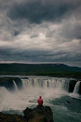 Break at Goðafoss - p470m2089761 by Ingrid Michel