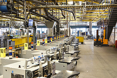 Machines for transport and sorting plant in a printing shop - p300m2104322 by Sten Schunke