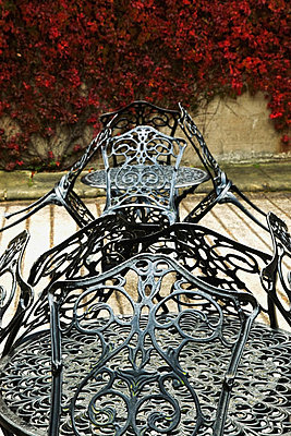 Iron table and chairs - p44210236f by Design Pics