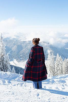 Snowy landscape - p454m2073117 by Lubitz + Dorner