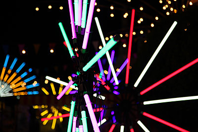 Bright neon lights at night - p664m1132588 by Yom Lam