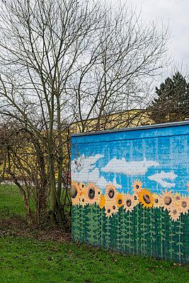 Sonnenblumenhaus - p1164m1034829 von Uwe Schinkel