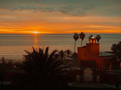 Spain, Malaga, House by the sea - p1681m2263257 by Juan Alfonso Solis