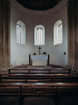 Altar in Kirche - Konradsburg - p1549m2191756 von Sam Green