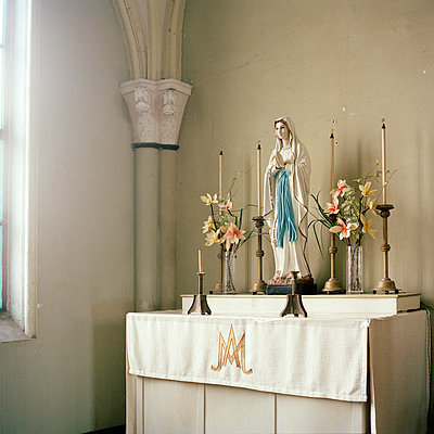 Altar - p949m658126 von Frauke Schumann