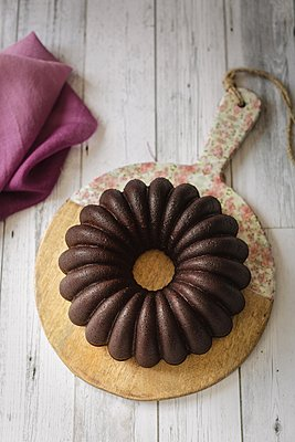 Triple chocolate bundt cake - p1392m1440954 by Federica Di Marcello